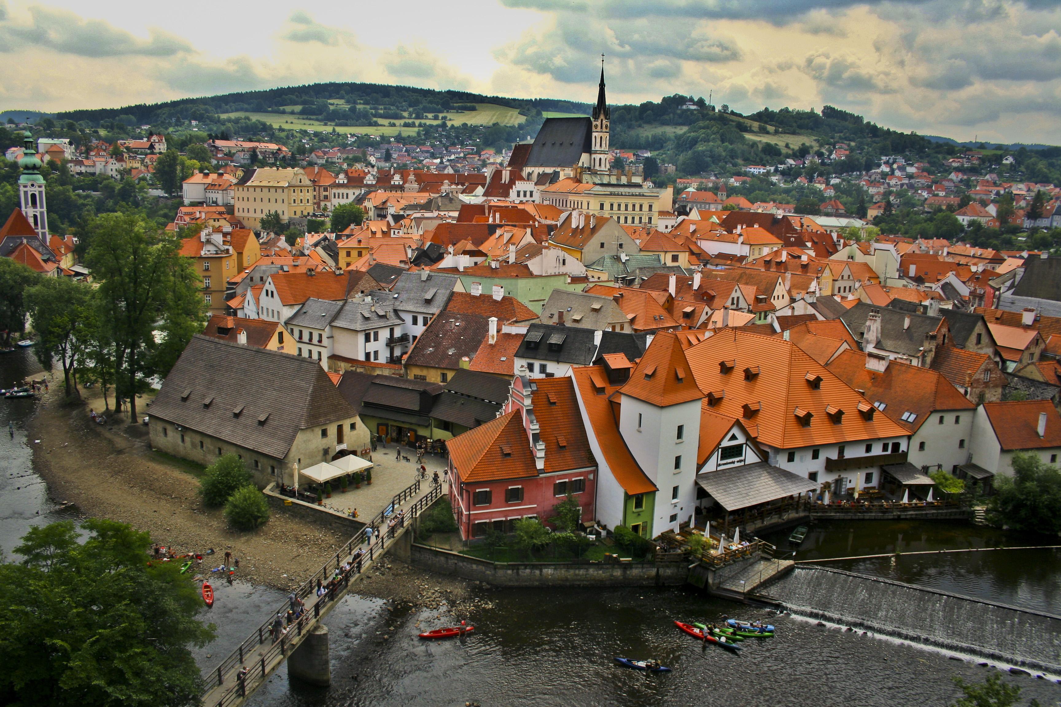 Nádherná panoráma stredovekého mesta Český Krumlov