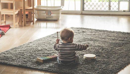Prečo je dôležité striedať hračky, ktoré má dieťa k dispozícii?