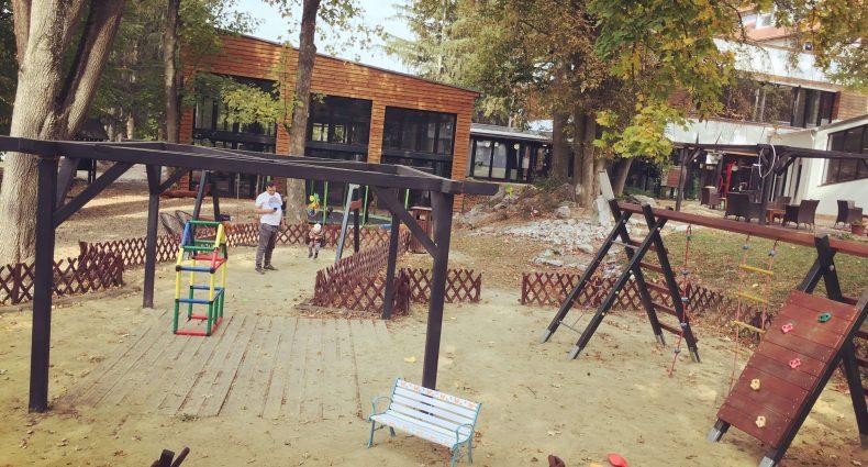 Outdoorové aktivity v hoteli Oxigén, Noszvaj - Pobyt vonku si užijú aj najmenší - preliezky, minitrampolína, húpačky, pieskovisko a vláčik