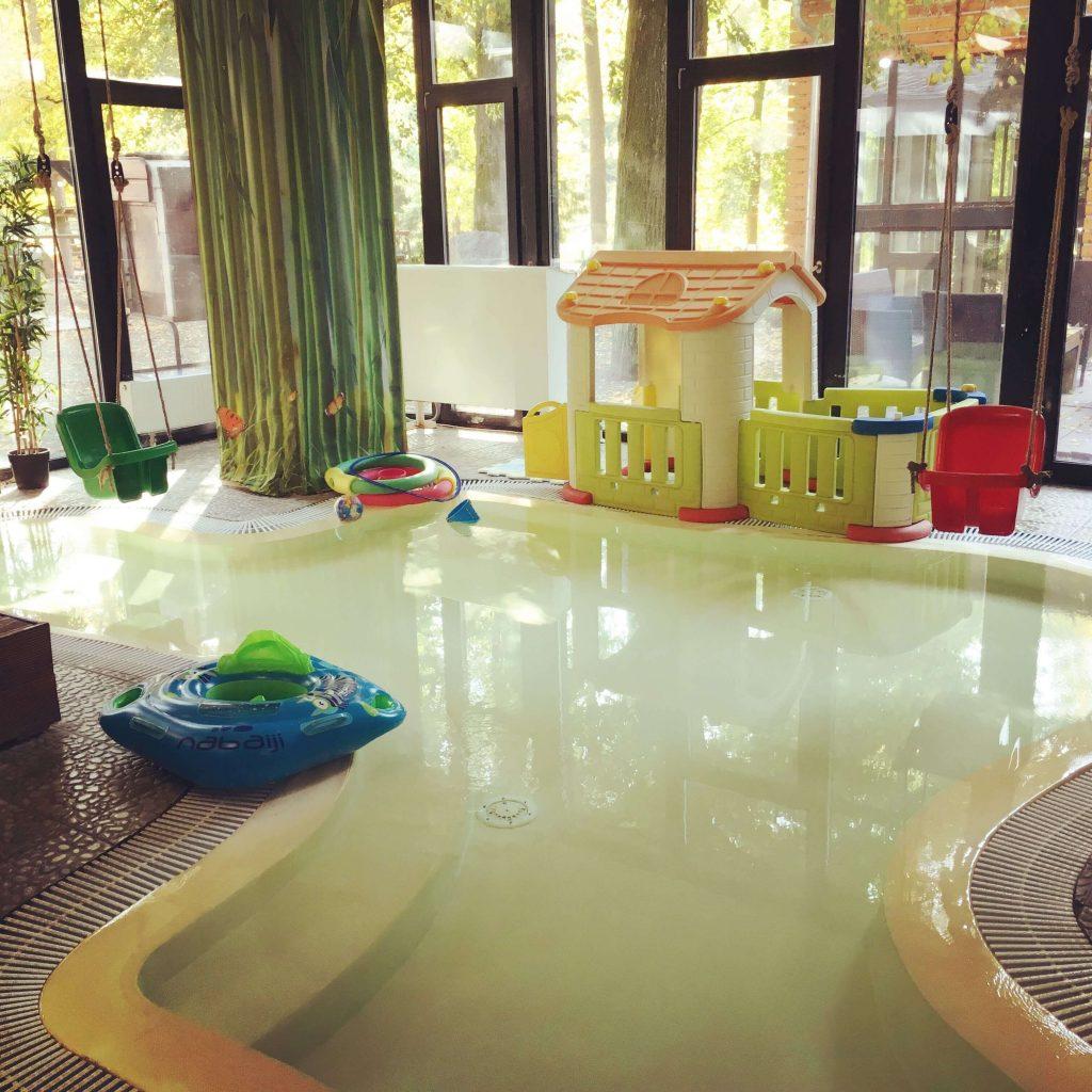 Minibazén pre tých najmenších v hoteli Oxigén Noszvaj.
