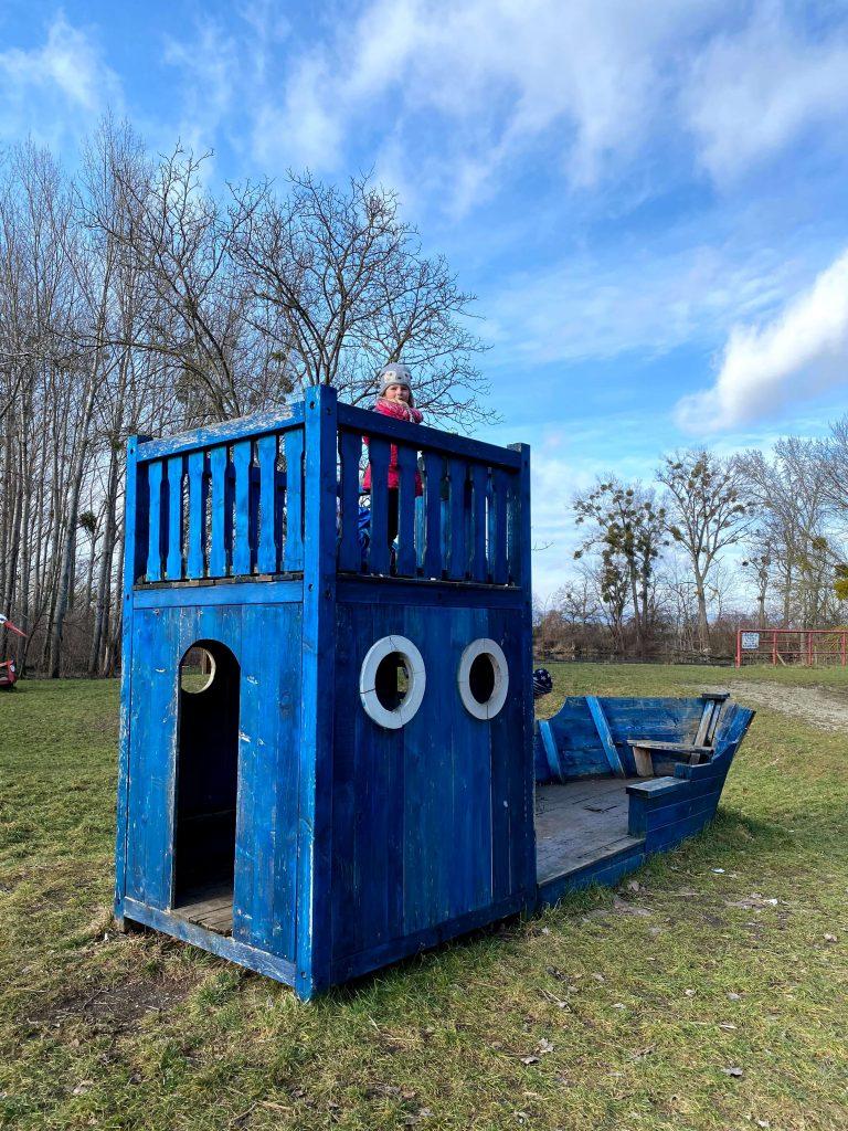 Detské ihrisko uprostred prírody - poteší nie?
